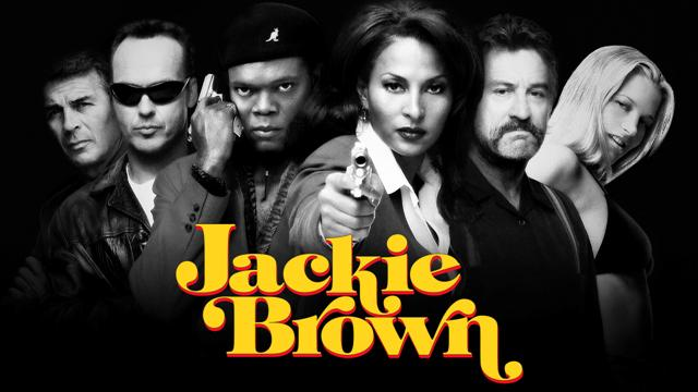 Jackie Brown es una azafata de vuelo que, necesitada de dinero, hace de correo para Ordell , un traficante de armas buscado por la policía. Todo parece ir bien, hasta que un día es sorprendida en la aduana y acusada de tráfico de drogas y evasión. Para evitar ingresar en prisión, la policía sólo deja a Jackie una salida: ayudarles a llegar hasta Ordell.