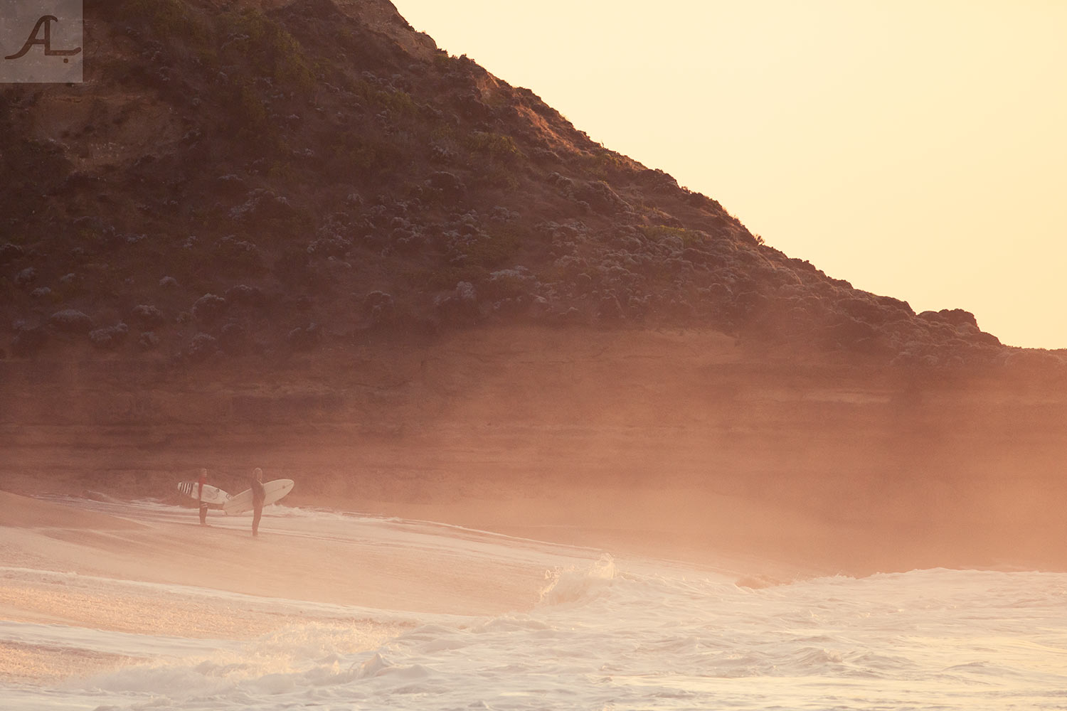 1-amy-lobb-bells-beach-local-surfers.jpg