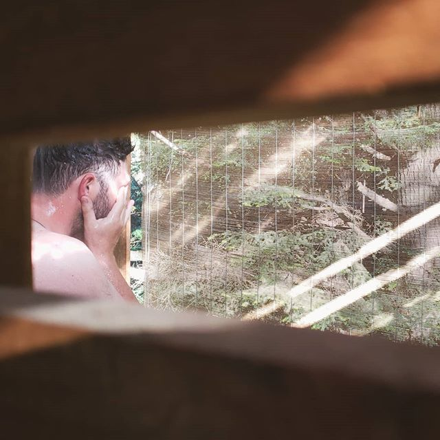 This is me not taking photos of my husband in the amazing outdoor shower at @bilstoncreekfarm. I couldn't help myself... morning light, amazing setting, and come on, HUSBAND!