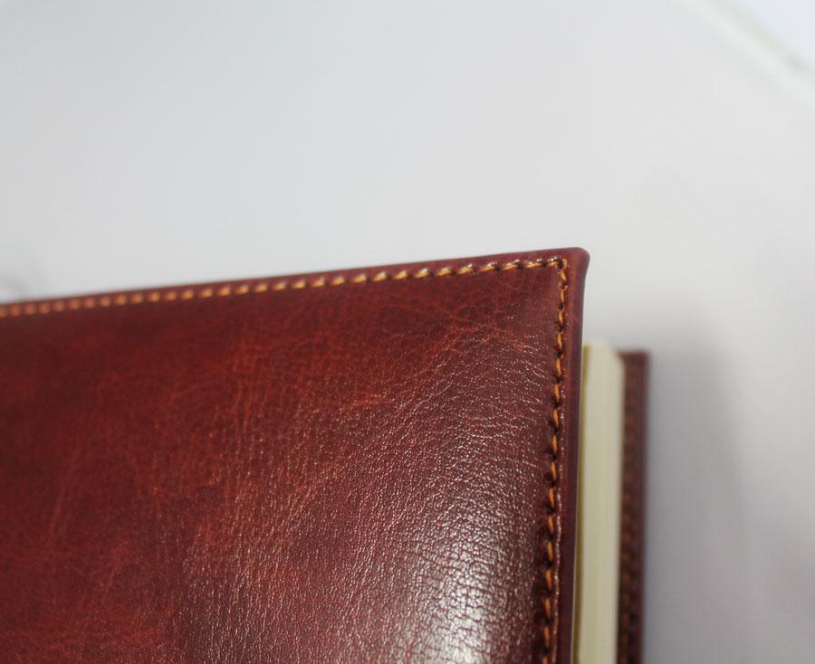 brown-od-executive-journal-close.jpg