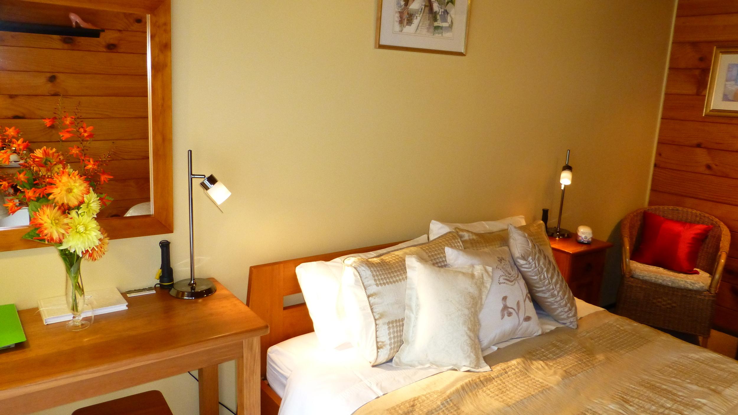 The Taranaki Suite (a) at Mokoia Downs.JPG