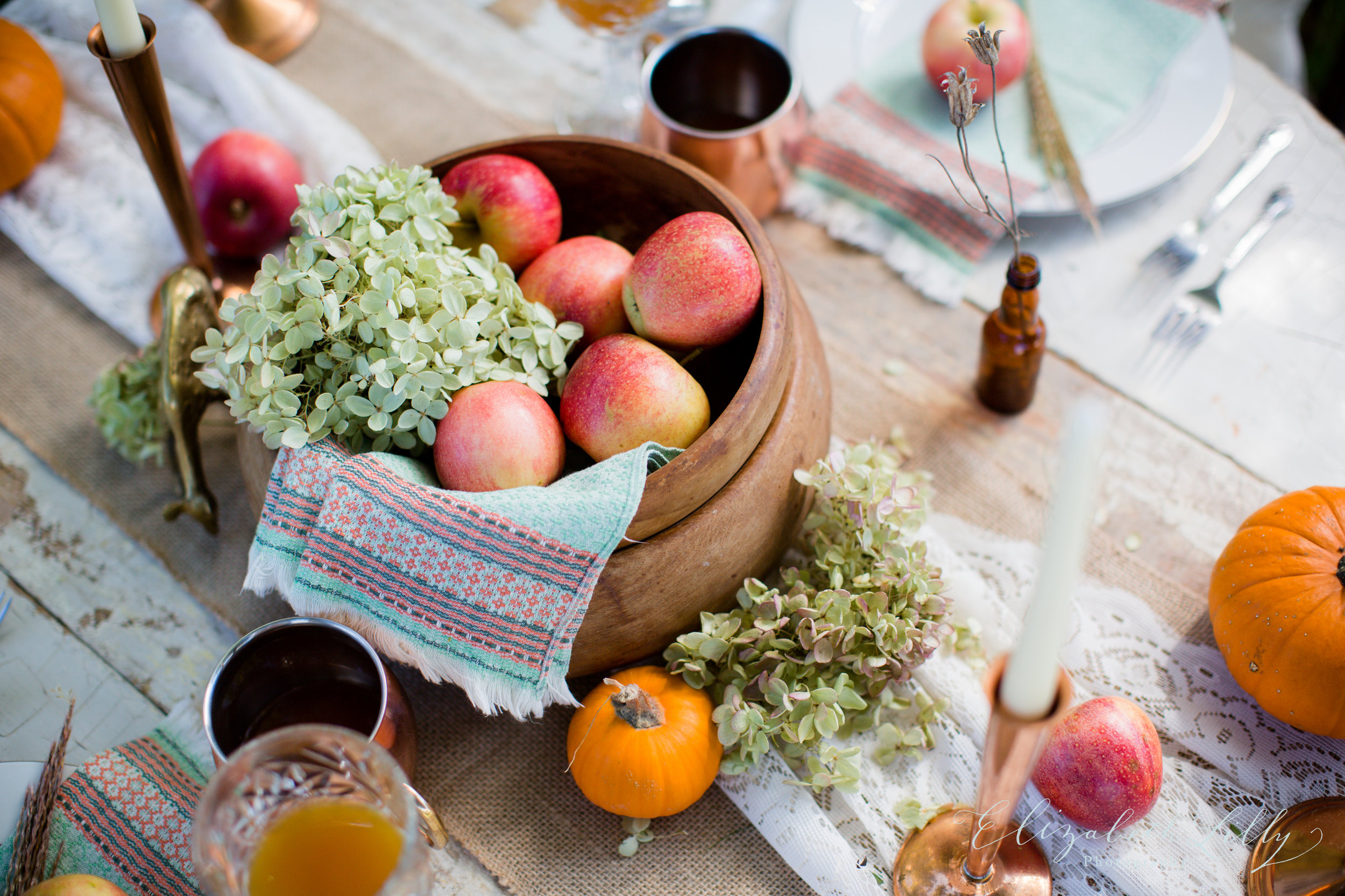 Elizabeth Lilly Photography  joined us in Stella's backyard for a styled fall photo shoot.