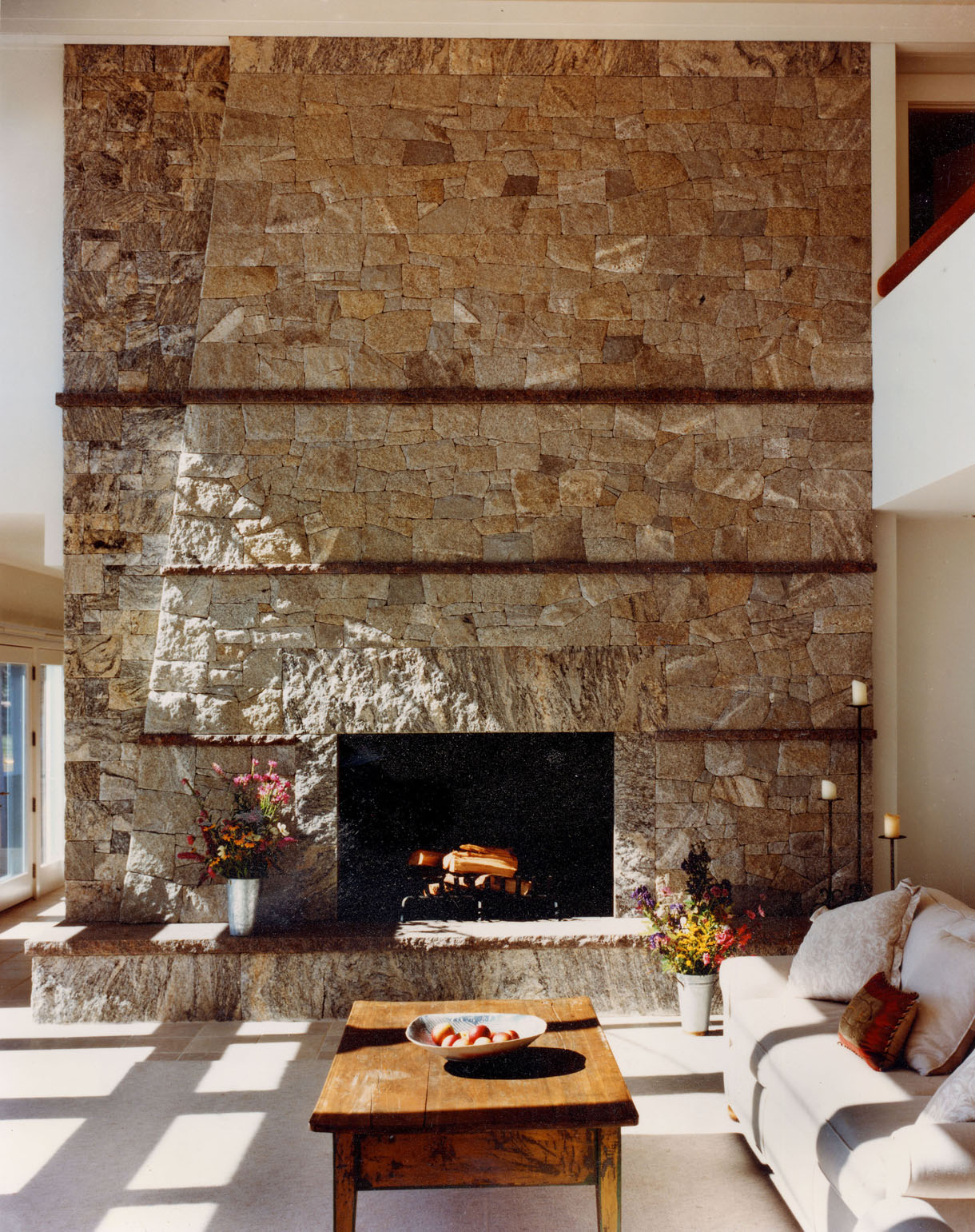 08. Living Room Fireplace.jpg