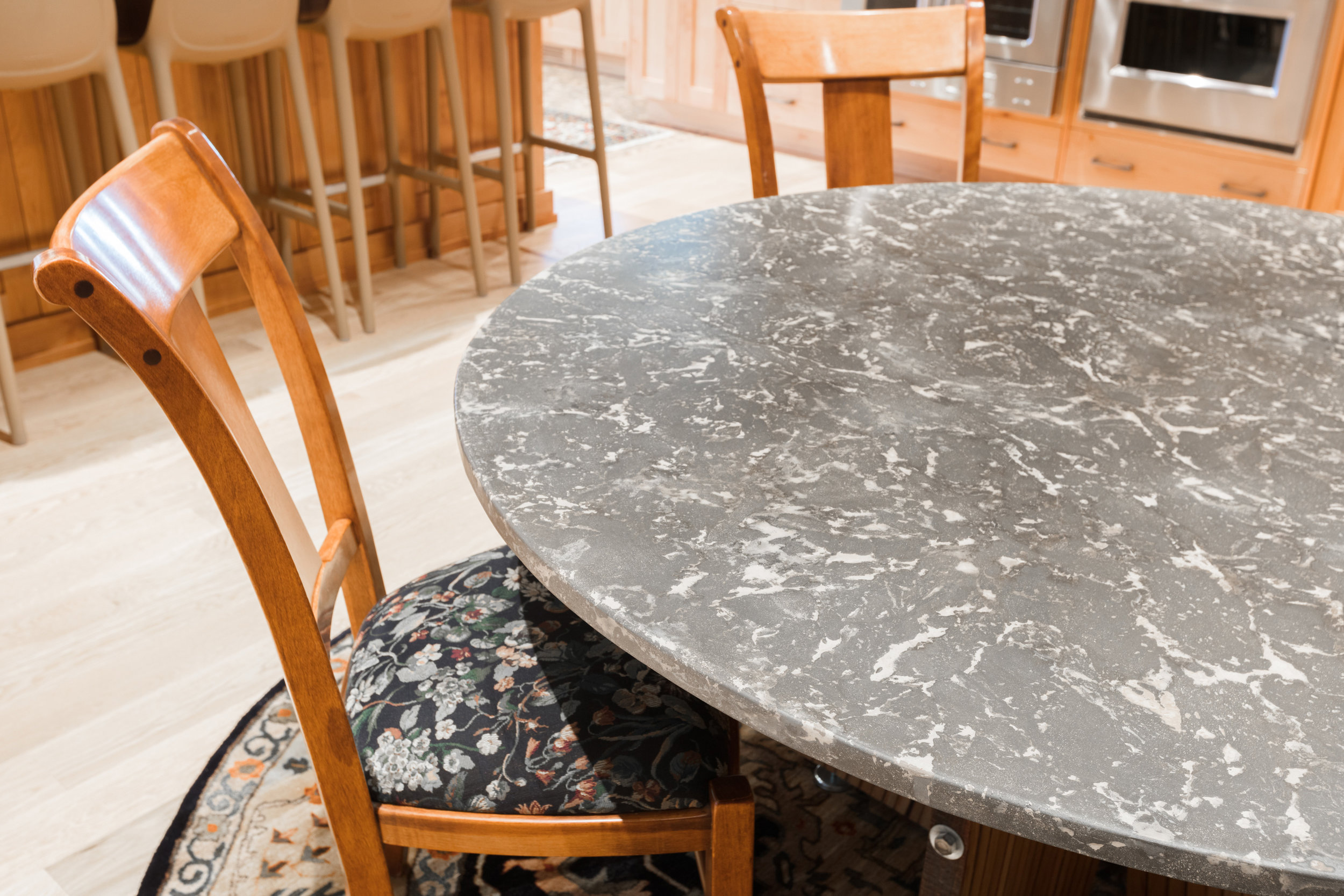 Marbled OrganiCrete® Round Dining Table Detail