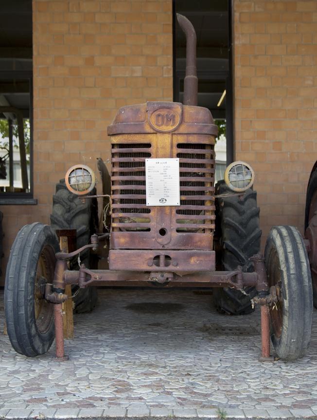 13-tractors10.jpg