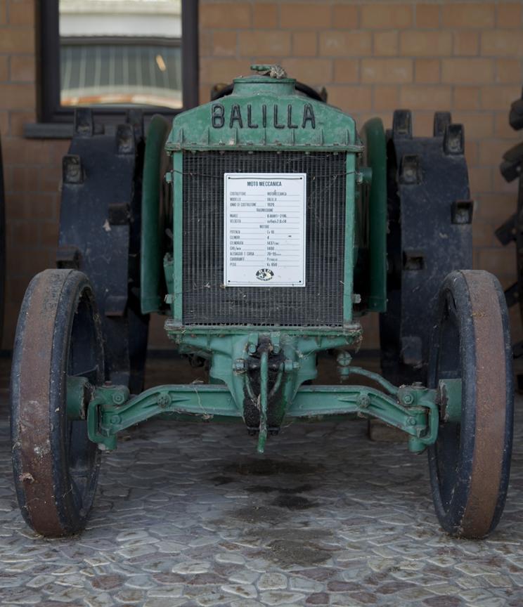 13-tractors3.jpg