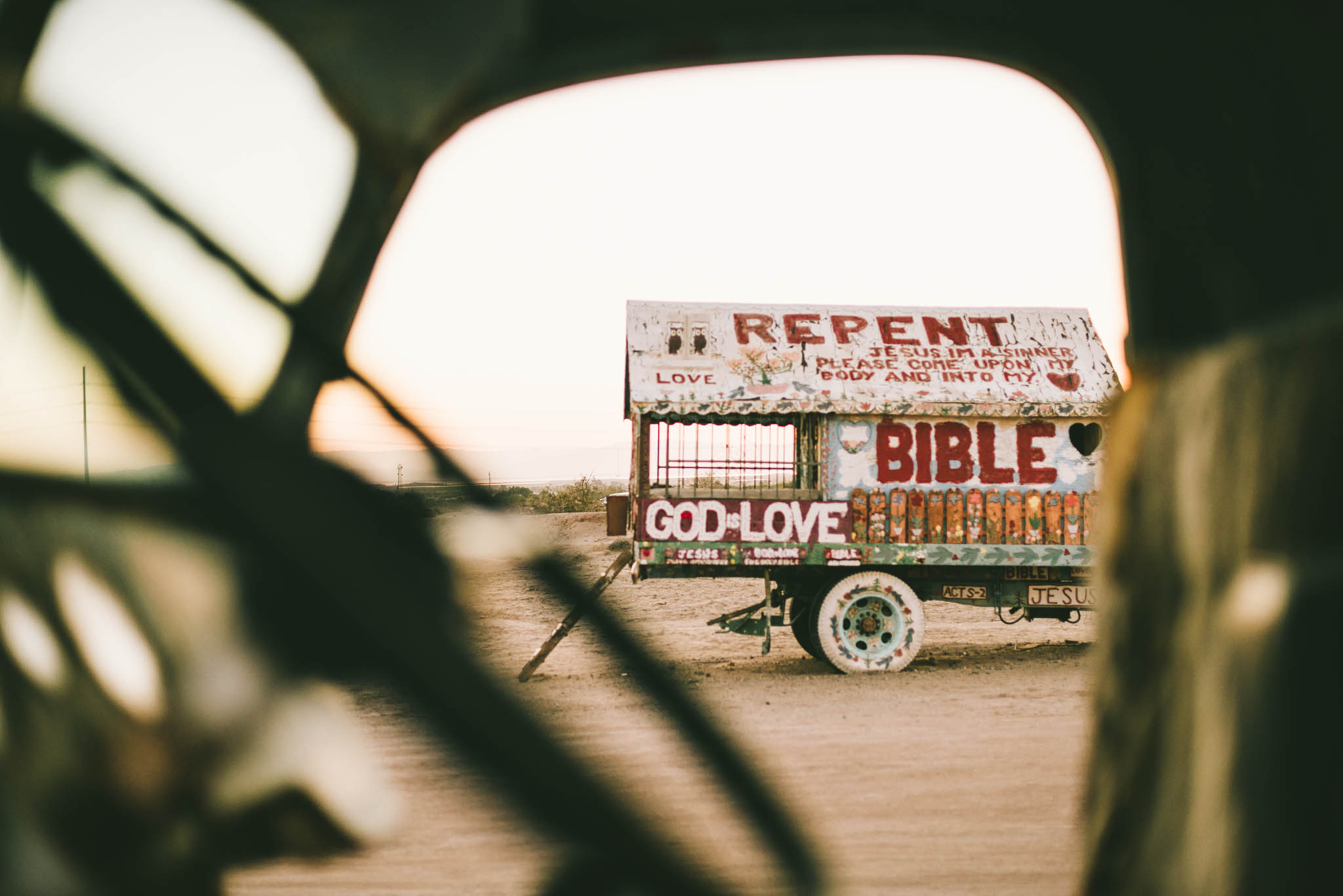 ©The Ryans Photography - Salvation Mountain - Travel Journal-8.jpg