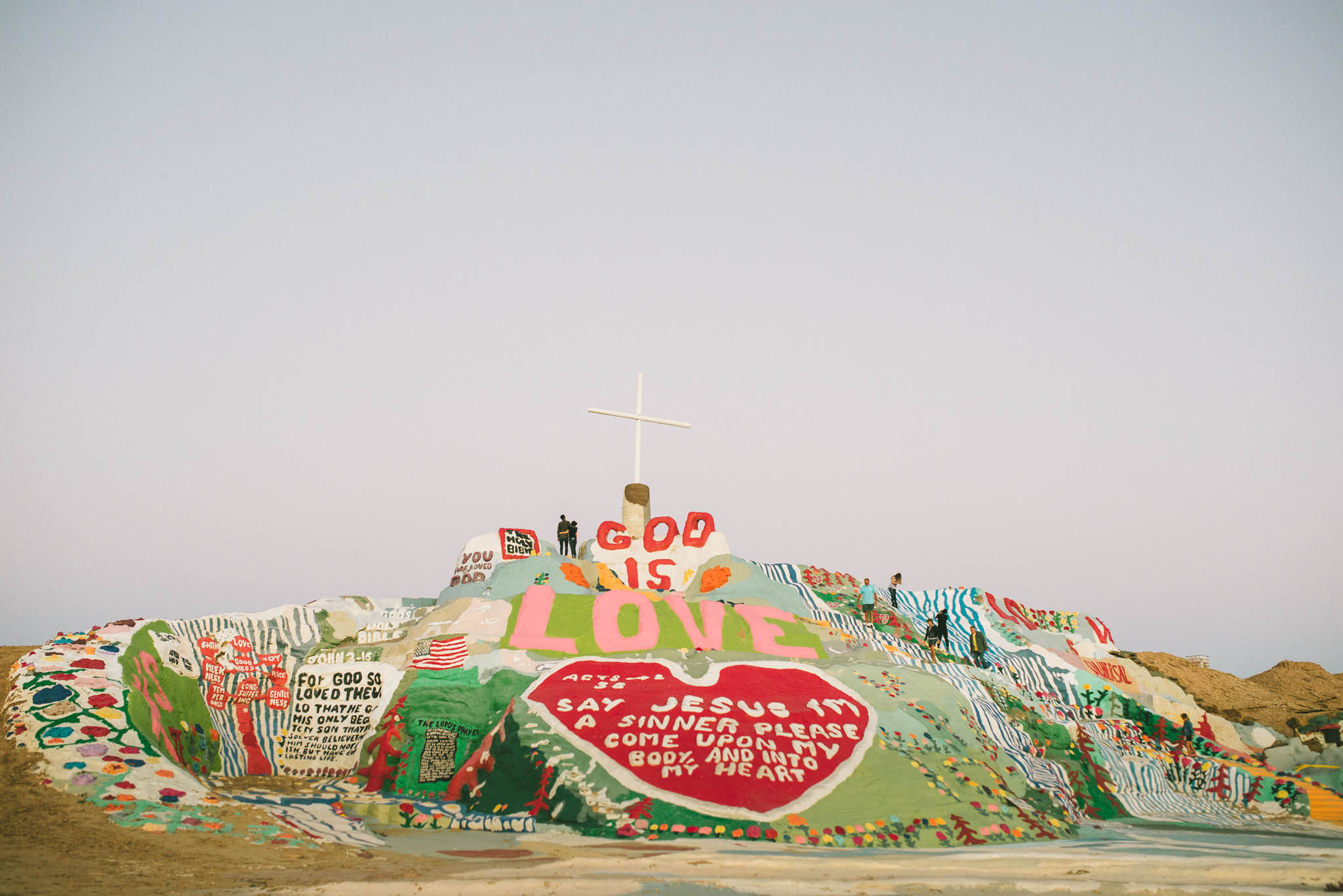 ©The Ryans Photography - Salvation Mountain - Travel Journal-30.jpg