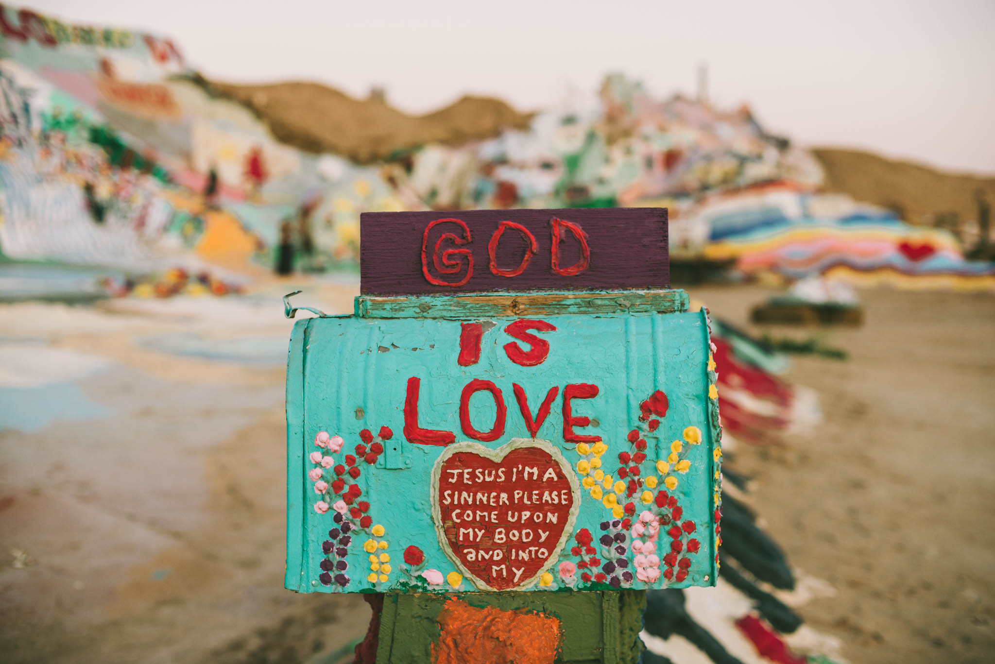 ©The Ryans Photography - Salvation Mountain - Travel Journal-29.jpg