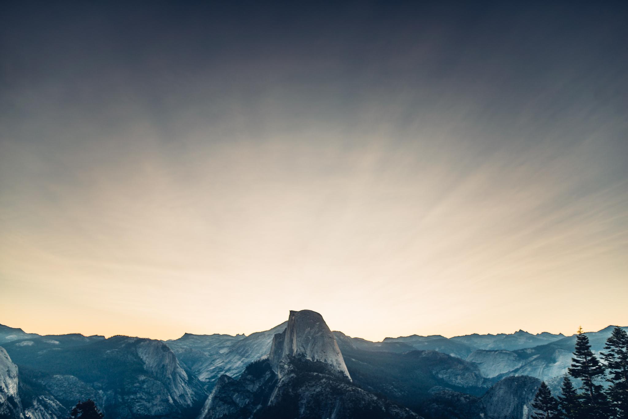 ©Isaiah & Taylor Photography - Los Angeles Destination Wedding Photographer - Yosemite National Park Hiking Adventure Engagement - Glacier Point Sunrise-001.jpg