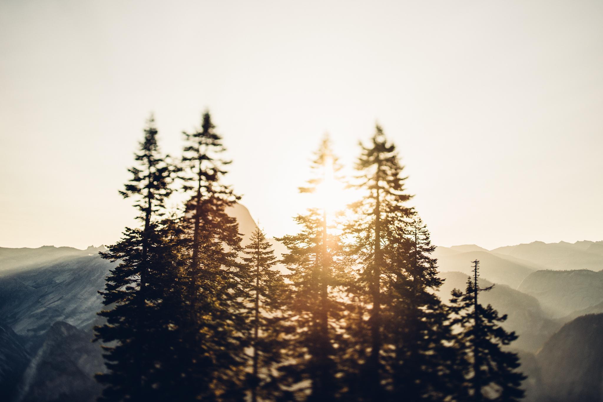 ©Isaiah & Taylor Photography - Los Angeles Destination Wedding Photographer - Yosemite National Park Hiking Adventure Engagement - Glacier Point Sunrise-017.jpg