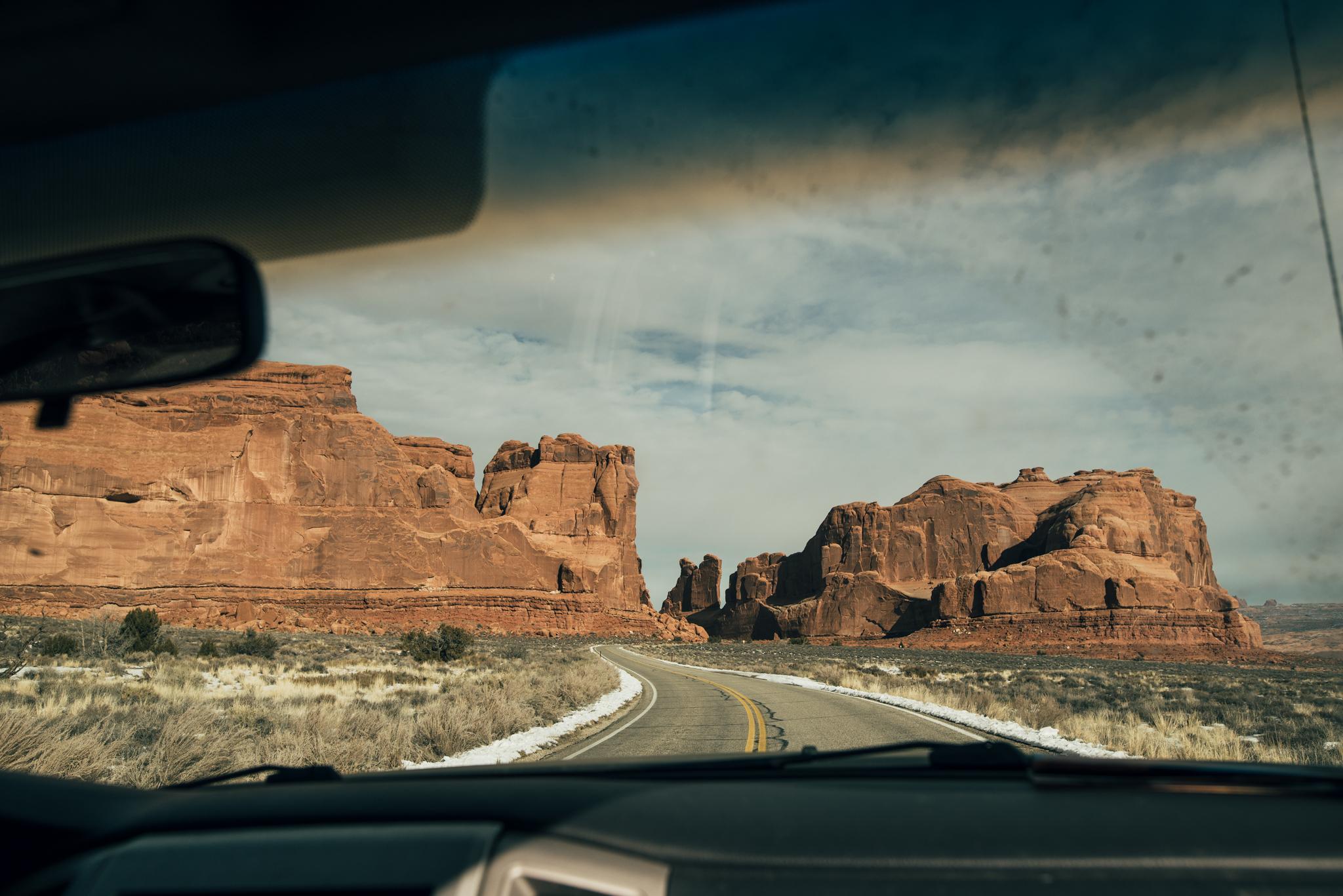 Isaiah-&-Taylor-Photography---White-Sand-Dunes-1.jpg