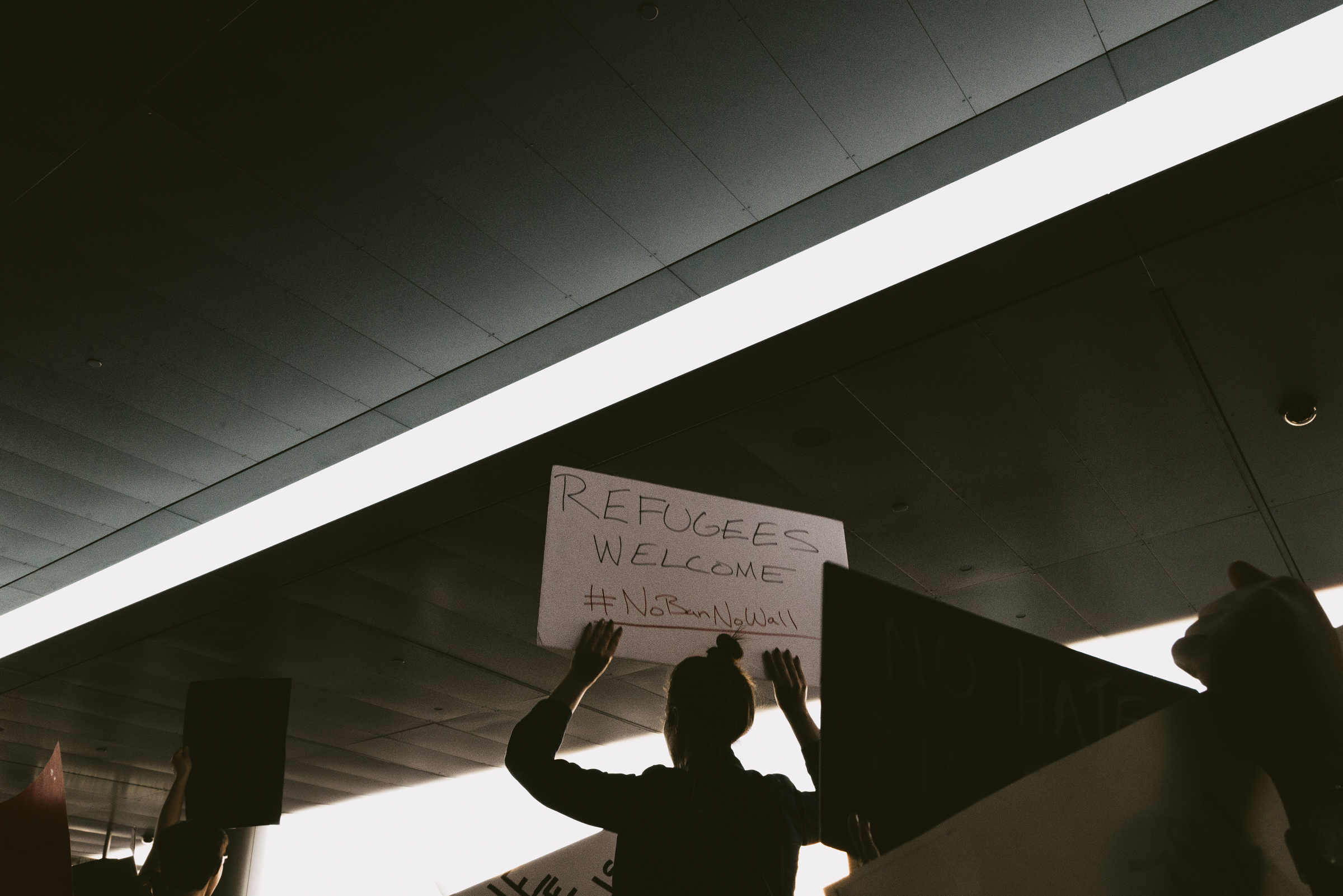©The Ryans Photography - LAX No Ban No Wall Protest-16.jpg