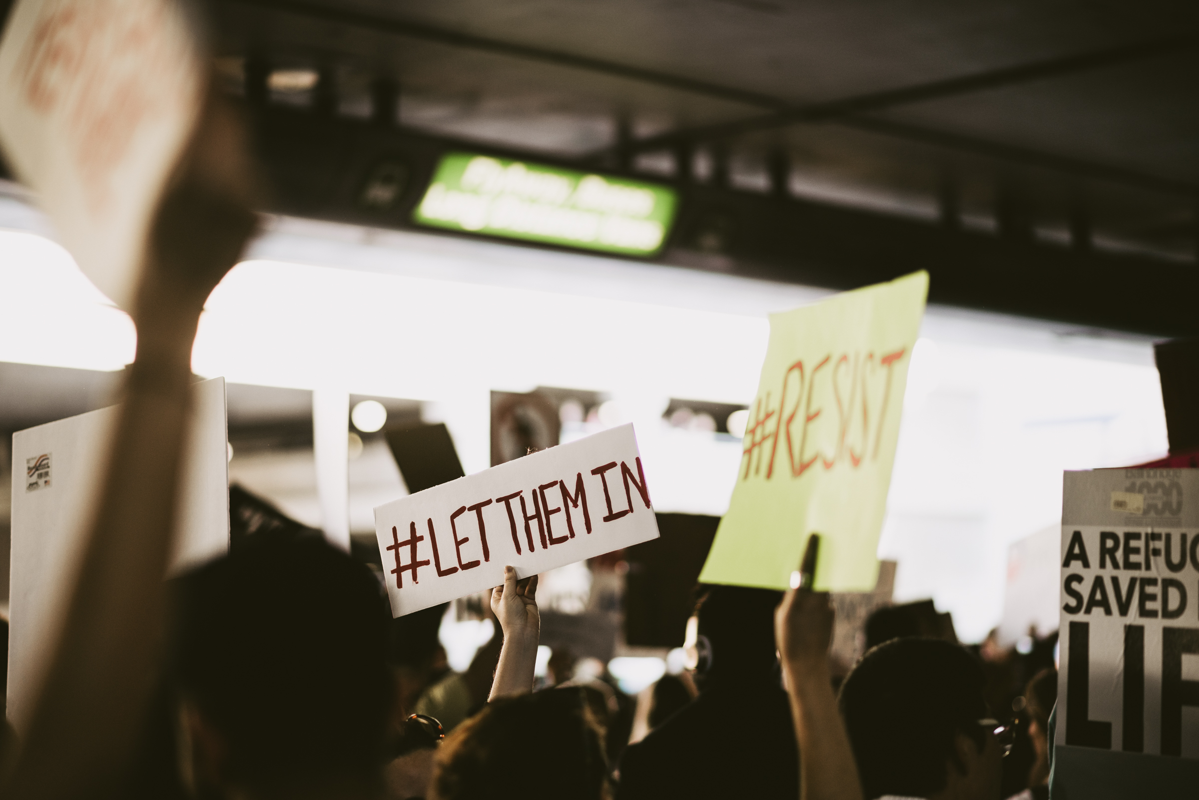 ©The Ryans Photography - LAX No Ban No Wall Protest-19.jpg