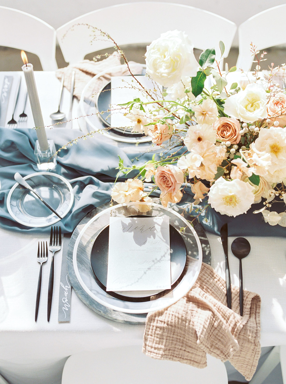 Modern romantic wedding table setting.jpg