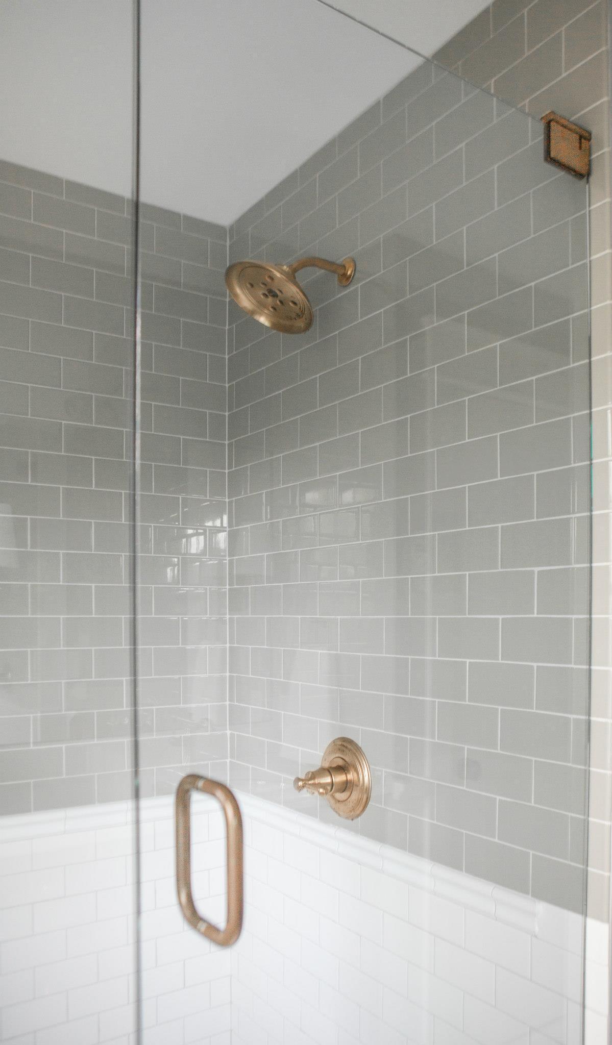farmhouse-master-bathroom-3
