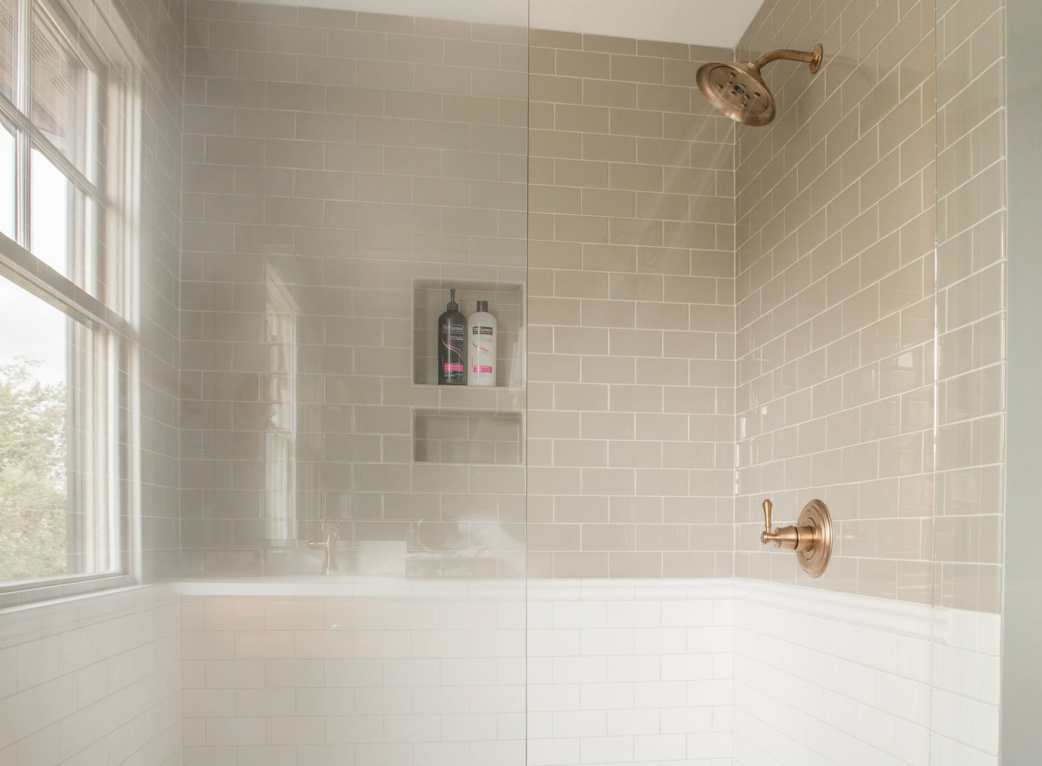 farmhouse-master-bathroom-5