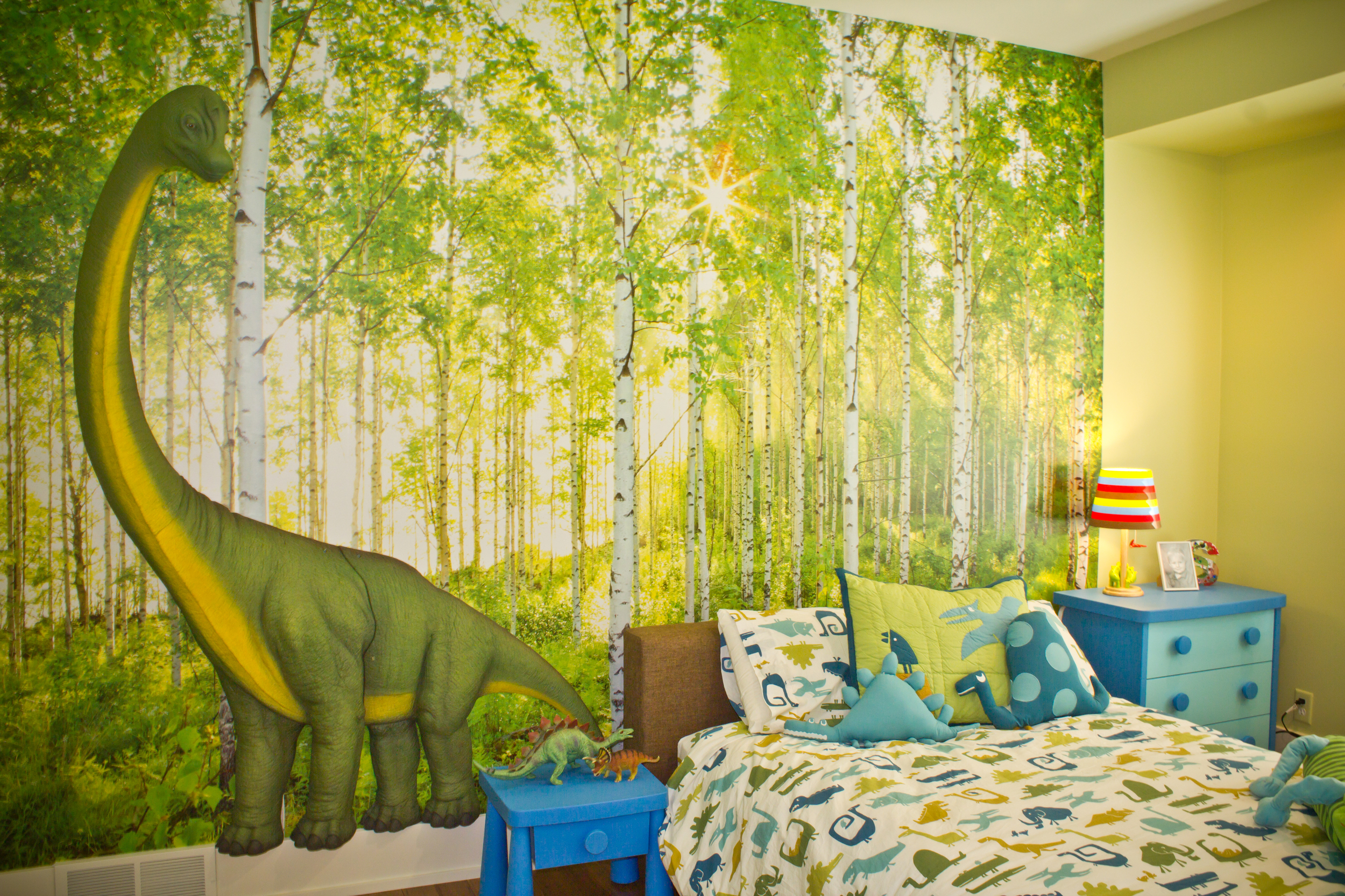 Fuchsia-Design-Dinosaur-Themed-Bedroom