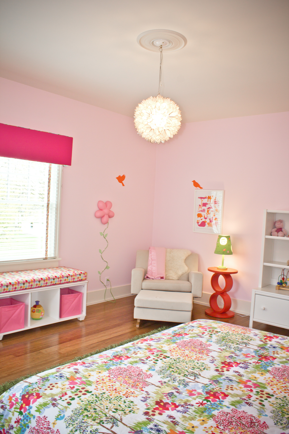 Bird-themed-girls-bedroom