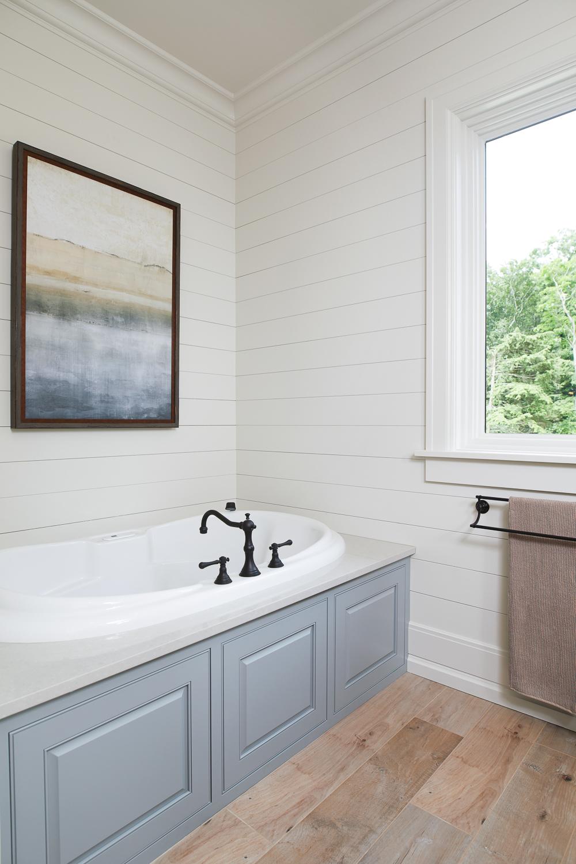 bathtub-lights-on-dimmer-in-new-home.jpg