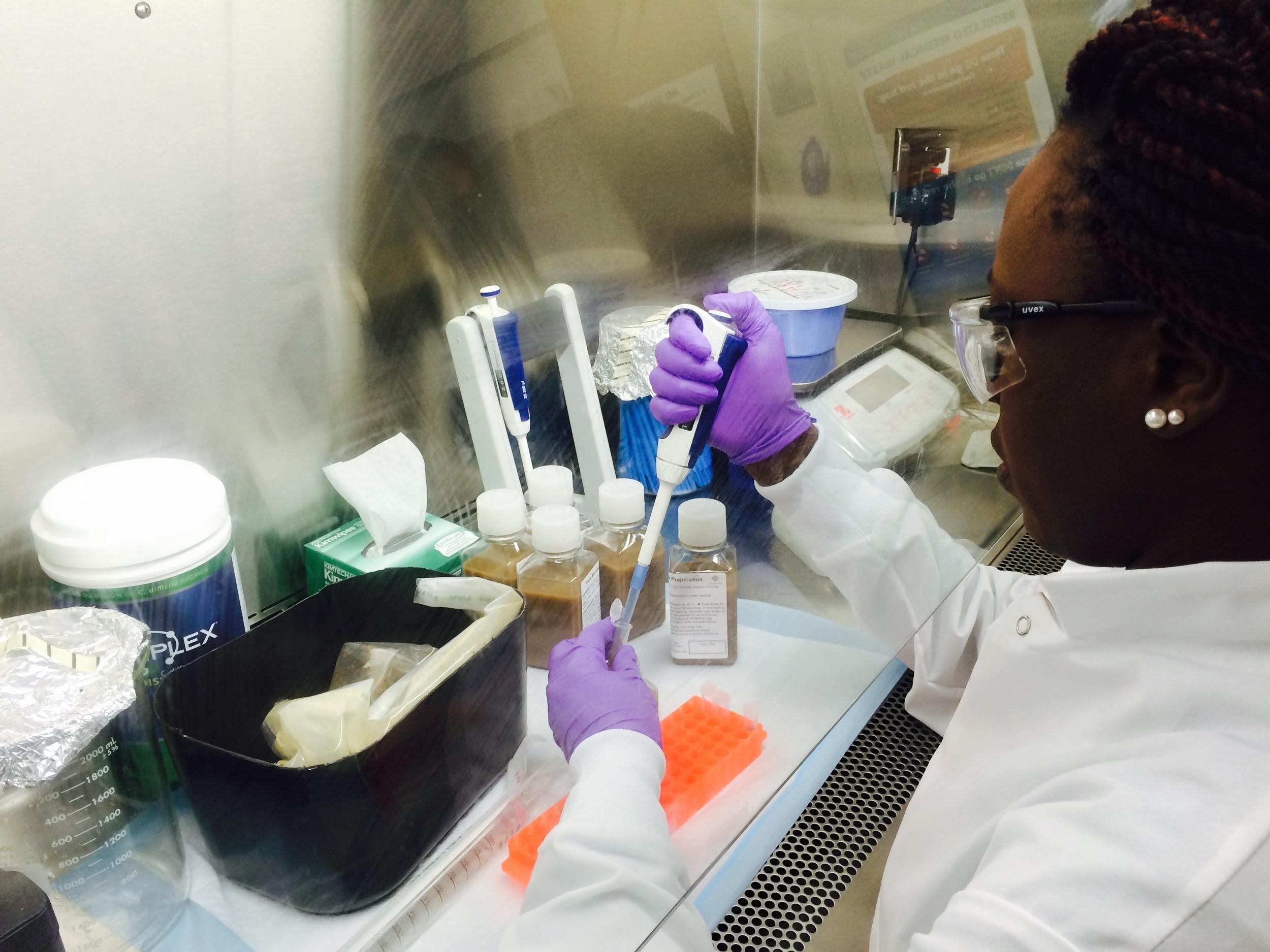 Inside OpenBiome: Mary Njenga processing samples