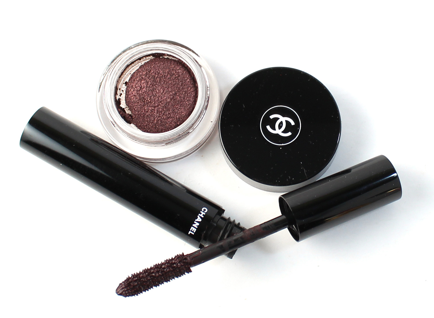 D'Ombre Long Wear Luminous Eyeshadow & Le Volume de Chanel