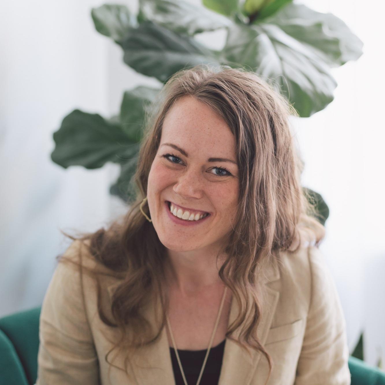 Amanda Hogue | Website + Assistant