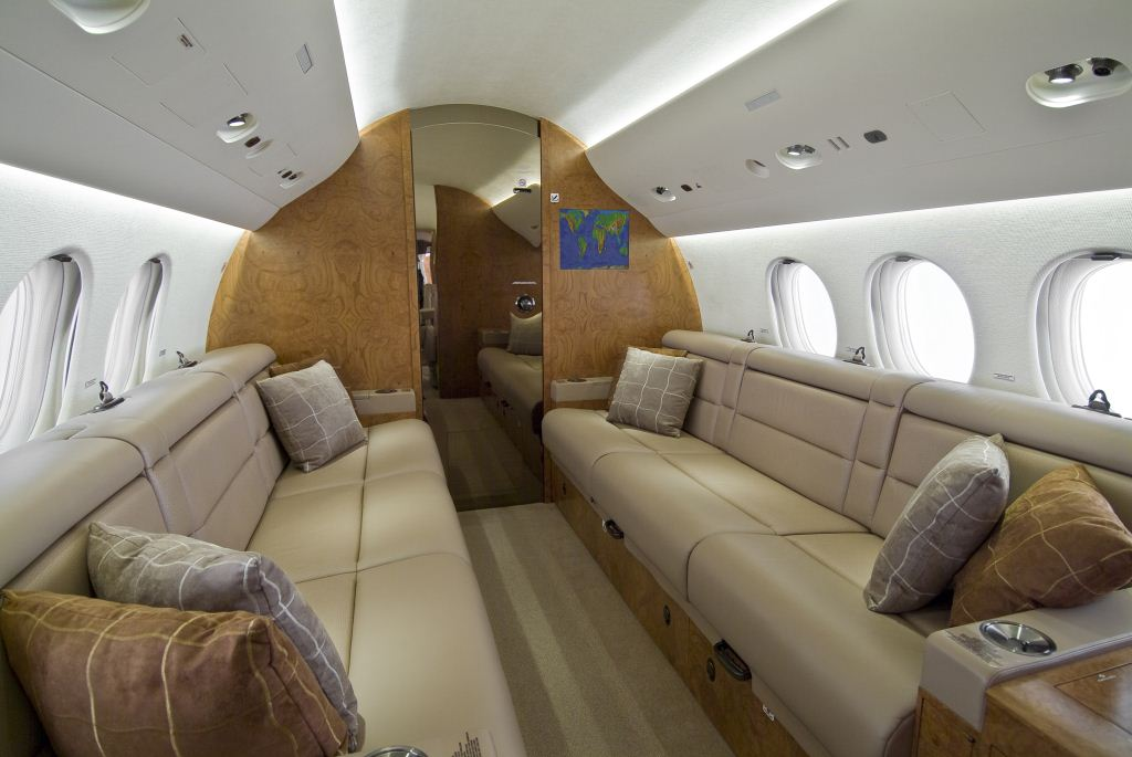 Falcon 7X Interior 2.jpg