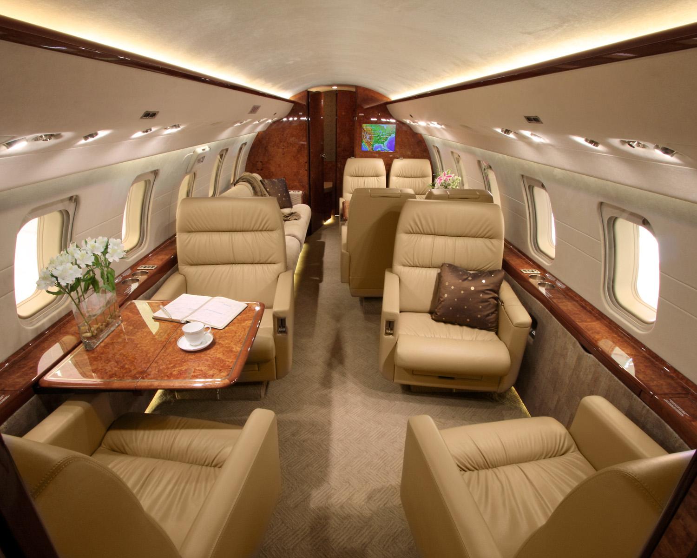 CL605 CabinAft.jpg