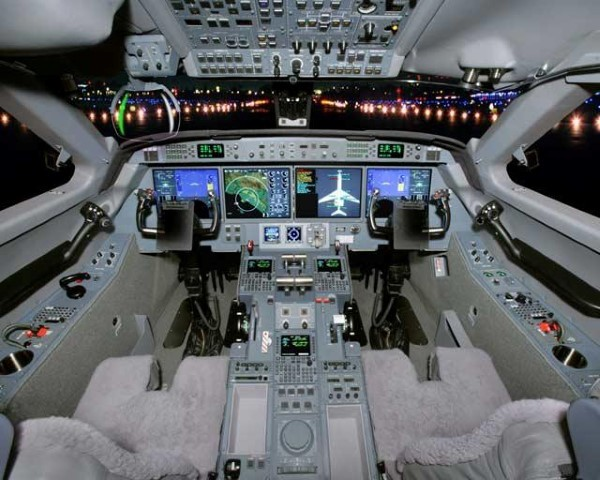 5059 Cockpit.jpg
