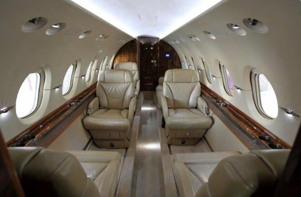 Hawker 800XPI Int.jpg