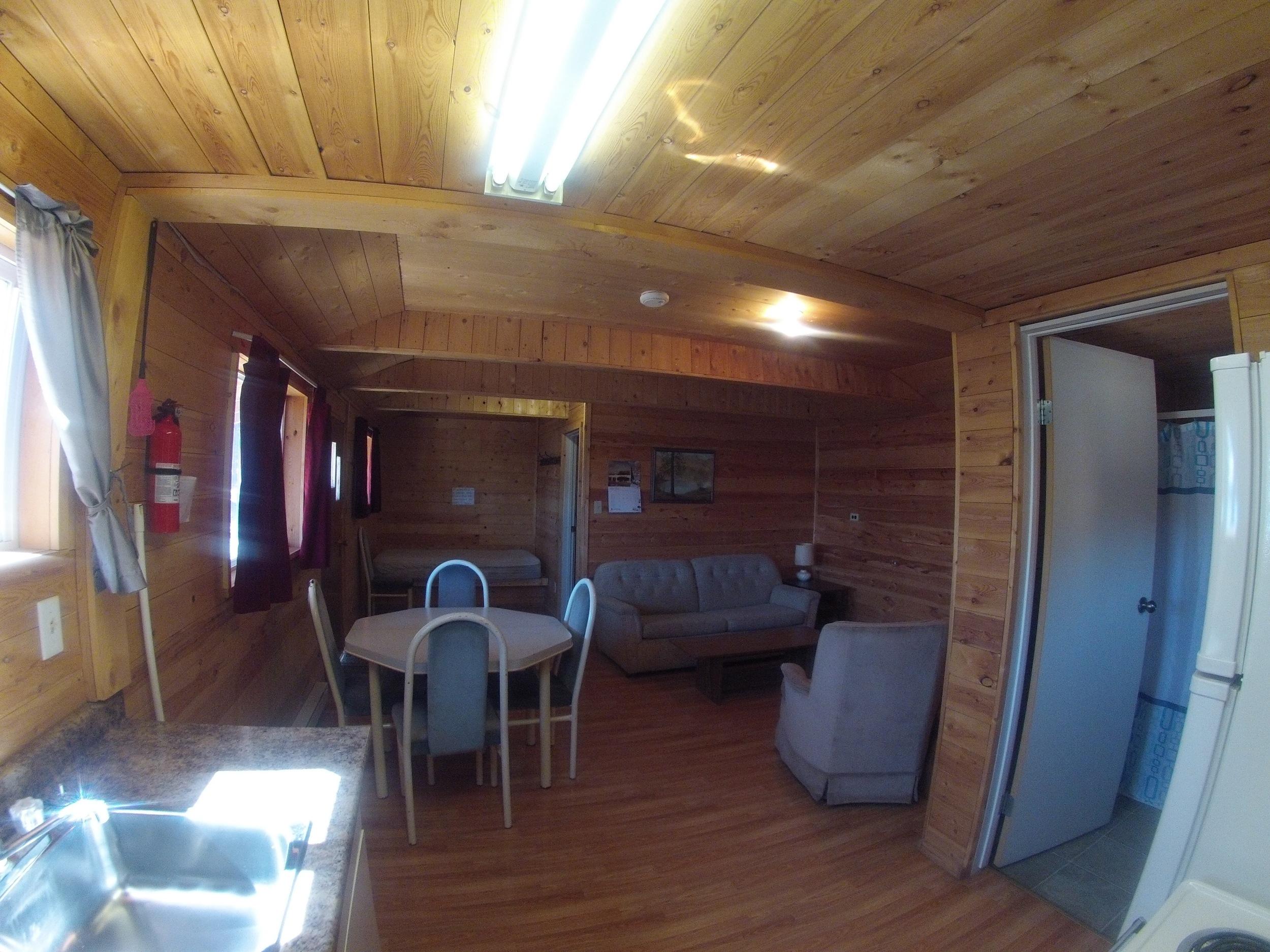 cabin102.jpg