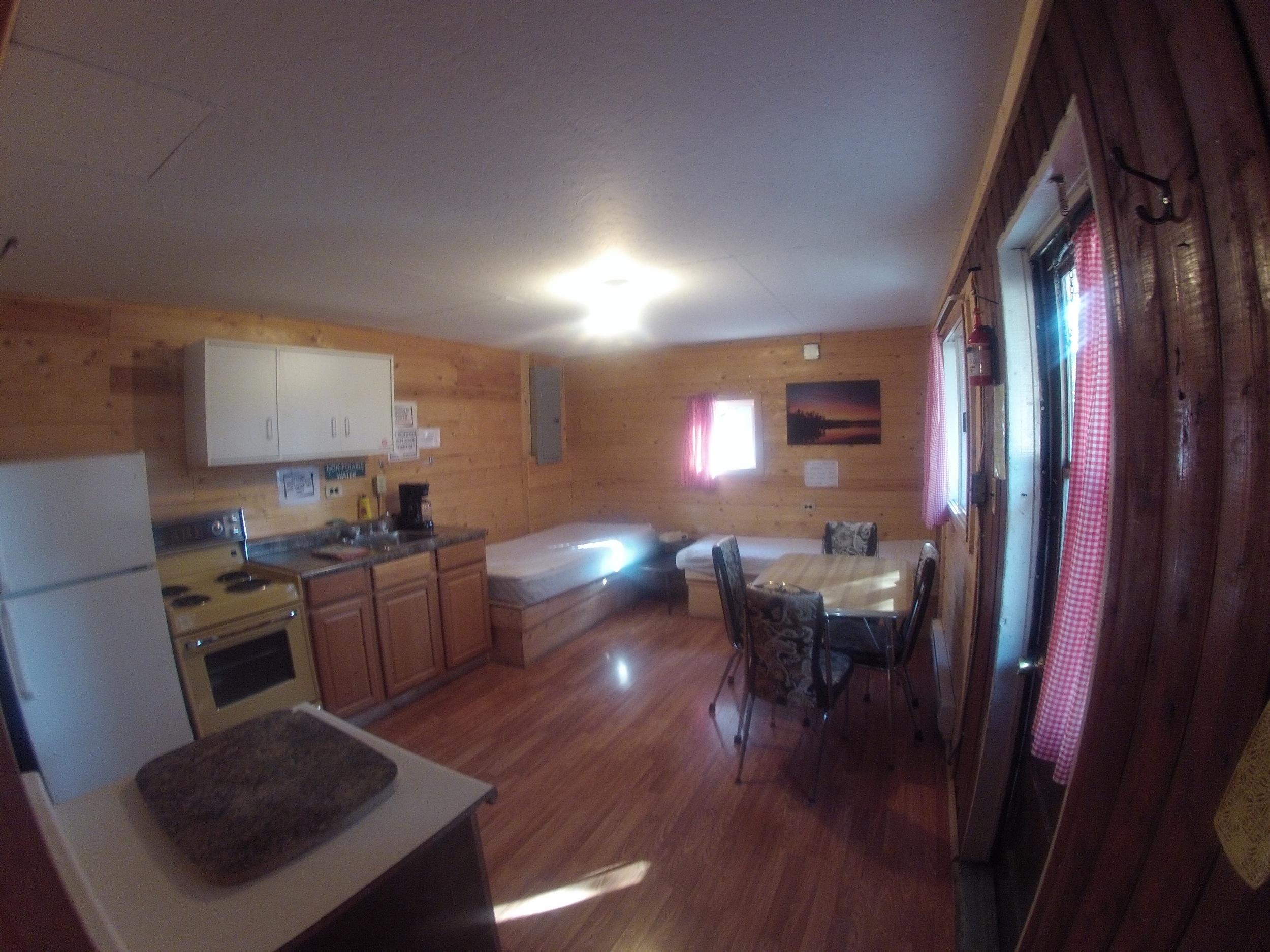 cabin601.jpg