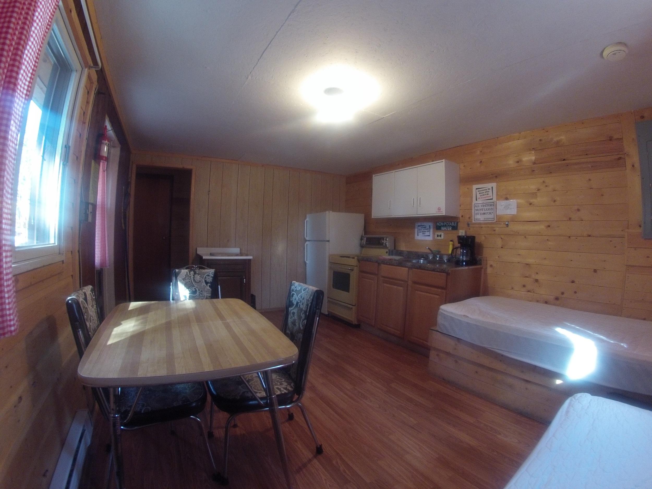 cabin602.jpg