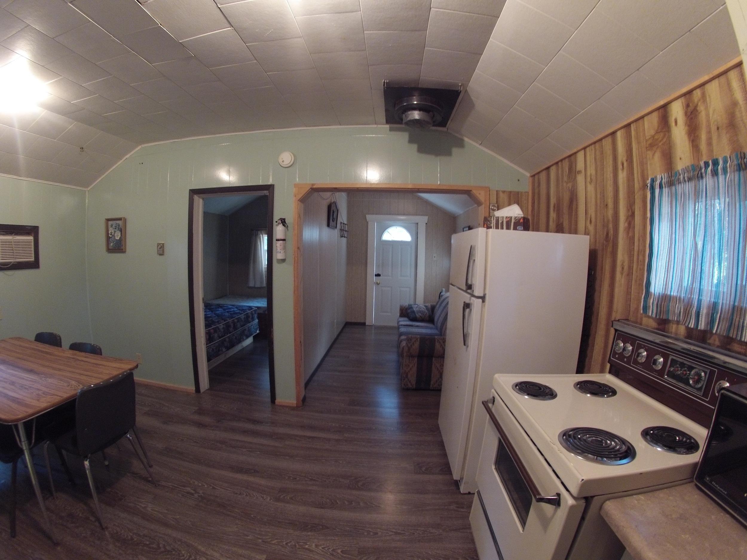 cabin901.jpg