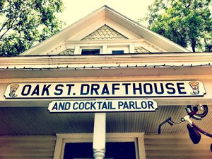 a picture of the outside of oak st drafthouse