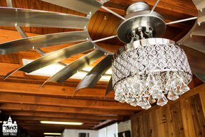 a picture of a chandelier.jpg
