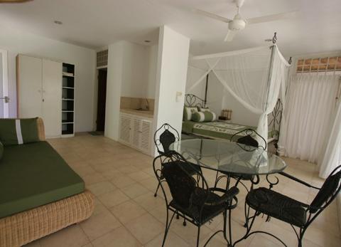 accommodation_room3.jpg