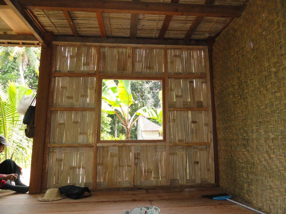 Lumbung wall