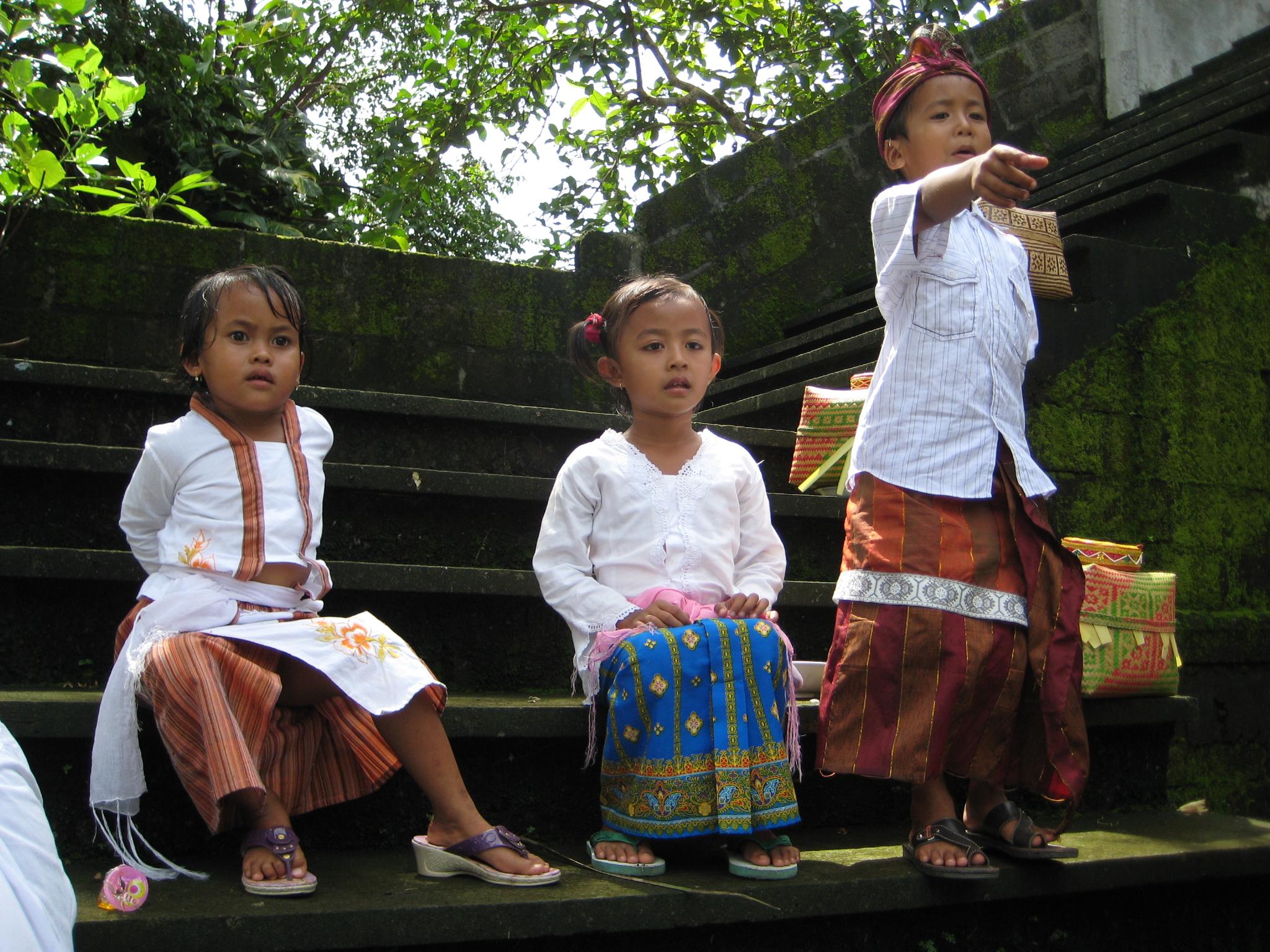 Balinese kids