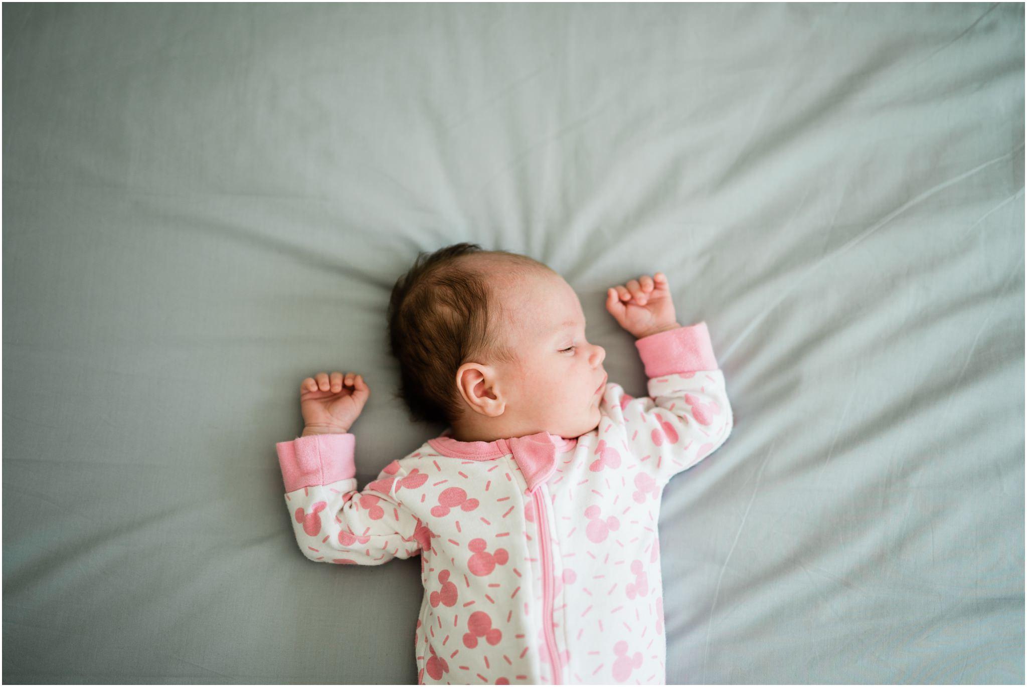 newborn-family-photography-lifestyle-home-baby7.jpg