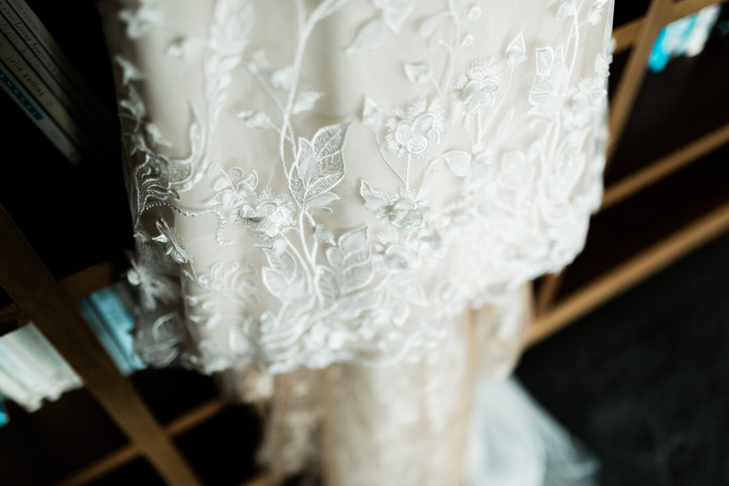 I know nothing about fashion … but I do know that I liked all the intricate lacy detail-y bits on Karen's dress for her Gold Coast wedding.