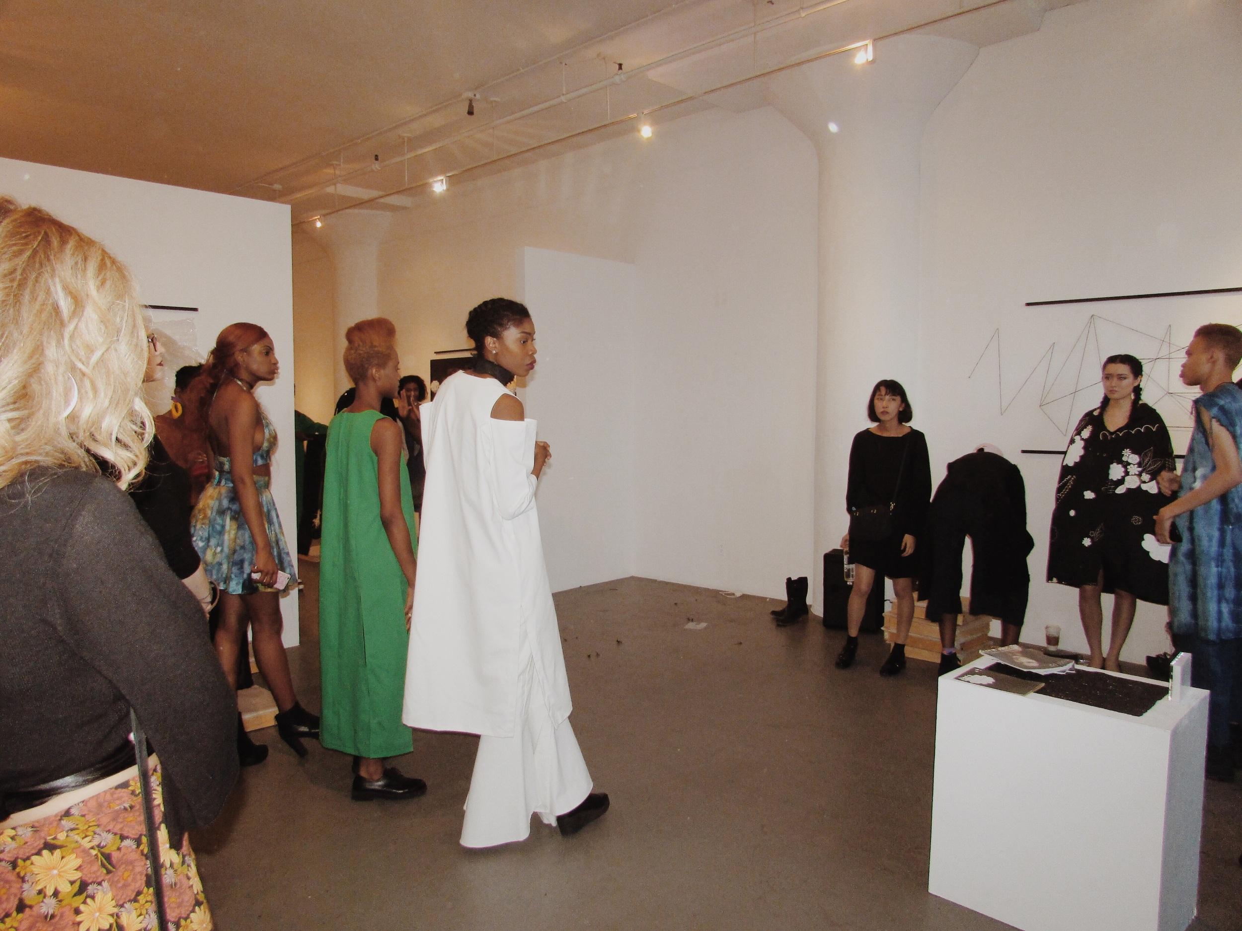 Presentation/ Behind the Scenes #FashionEnvie2016 #FE16 #BeaMondeSociety  Designers: Kahkti, Eauseenon, Fancy Muffin