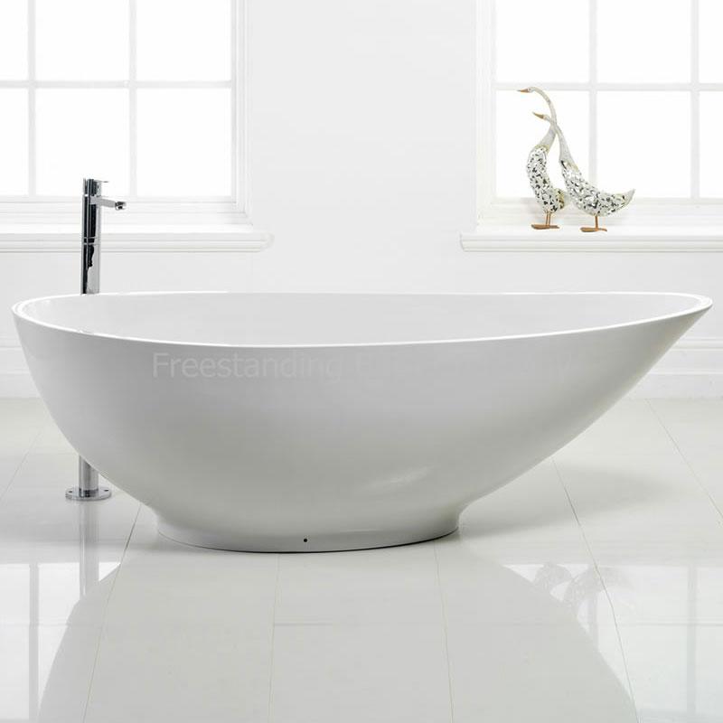 Stone resin Chelsea bath £1,250 www.runningbaths.co.uk