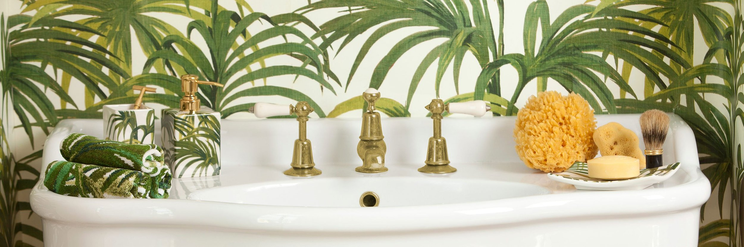 Palmeral ceramic bathroom gift set £55  www.houseofhackney.com