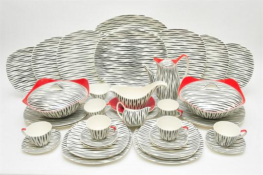 The vintage Zambesi dinner service I'm still collecting on Ebay