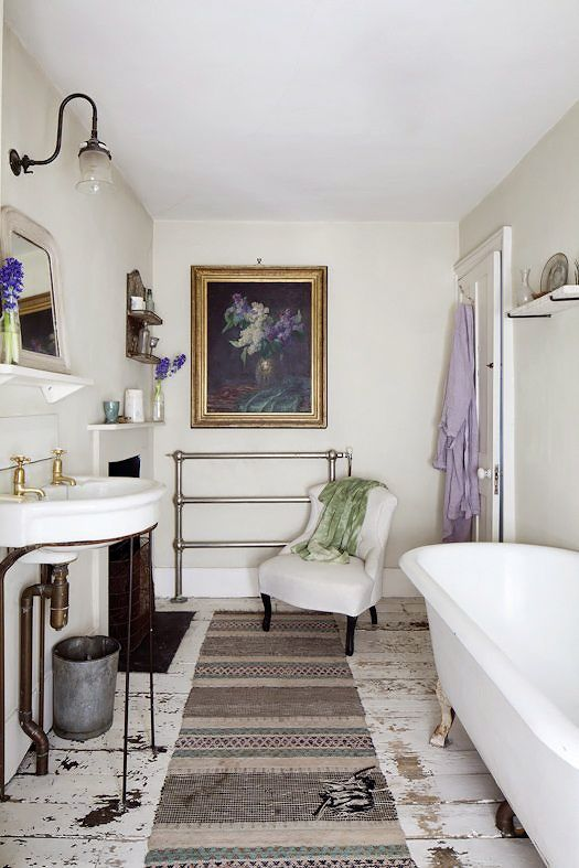 Man-repelling vintage bathroom inspo by www.interiorsbycolour.com