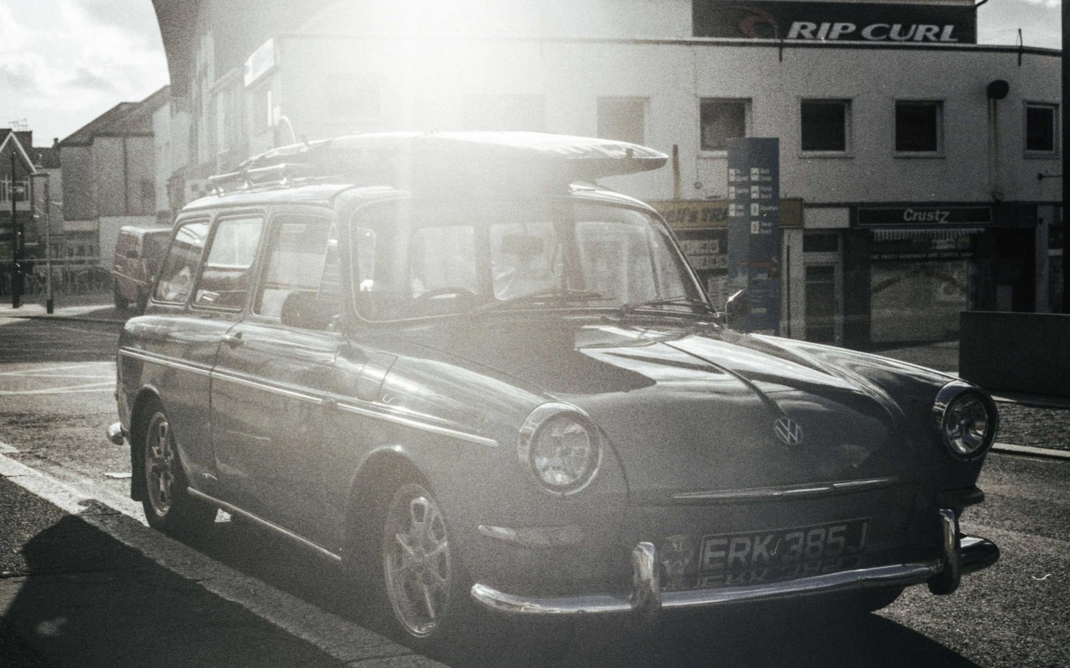 vintage-vw-surf-wagon.jpeg