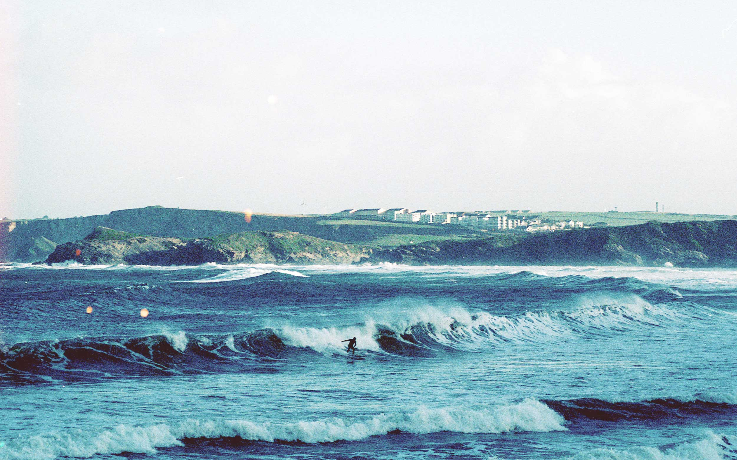 Surfer+riding+the+waves+at+Towan+Beach+_+Karl+Mackie+Photography.jpeg