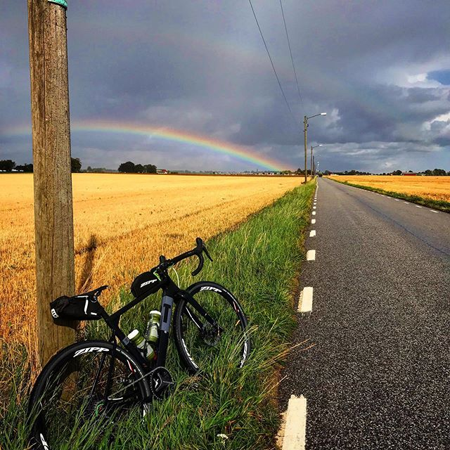This view 😍🌈 🌈 is the benefit of making a good choice. Don't let the rain 🌧  or the dark sky stop you from doing your outside training 📸 @daniel_nilsson_goecker_ab  #sustainableracingteam #sustainablelifestyle #srt #mindfulness ------------------------------------------ #sustainable #sustainableracing #wwf #tetrapaksverige #icasverige #polar #houdinisportswear #allagodavalräknas #medvetnaval #godförpackning #protectourwinterssweden #citynetwork #apoteket #silva  #hillebergthetentmaker #klattermusen #rehband #sportson #skånemejerier #nordicchoicehotels #collectingstories #huskypodcast #goodcompanie